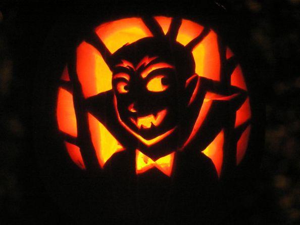 Vampire_Halloween_Pumpkin_by_bellsandy
